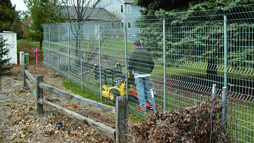 Should I Tell my Neighbors That I am Planning to Have a Fence Installed?